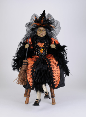 HA26-07 Amber Sitting Witch